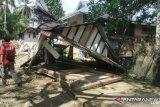 Polisi : Penyebab banjir karena pembalakan liar