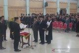 Ratusan pejabat Gumas dilantik, sejumlah jabatan eselon II masih kosong