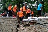 Kurangi risiko bencana, BPBD Jateng tutup tanggul-tanggul sungai yang jebol
