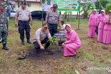 Polres Pasaman Barat Tanam Pohon tindak lanjut program Kapolri (Video)