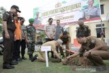 Polres Ogan Komering Ulu tanam  ratusan pohon produktif