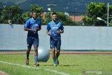 Dua pemain baru asal Brasil ikuti latihan  dengan Persib
