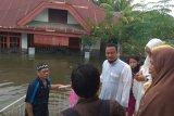 Ratusan keluarga di Kabupaten Barru Sulsel terisolir karena banjir