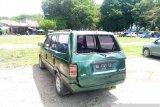 Pohon Tumbang Timpa Mobil Di Kawasan Gor H Agus Salim
