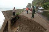 Trans Sulawesi di Kabupaten Majene nyaris putus akibat abrasi
