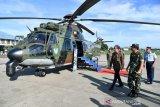 Presiden Jokowi tinjau Helikopter Caracal TNI AU di Halim Perdanakusuma