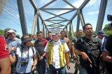 Menteri PUPR tinjau tanggul sungai Babakan yang jebol