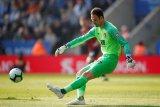 Asmir Begovic ke AC Milan, Reina ke Aston Villa