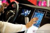 Tesla menantang para 'hacker'