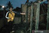 Dua orang meninggal saat api membakar satu rumah di Kertapati