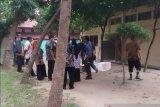 Gudang obat-obatan RSUD Arifin Achmad terbakar