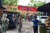 Warung bakso di Kota Mataram copot segel belum bayar pajak, Pemkot lapor polisi