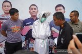 Manusia berkostum pocong ditangkap polisi