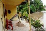 Batang Tiku meluap hantam rumah warga