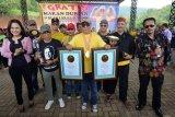 Gubernur Kalimantan Selatan catat sejarah makan durian bersama 24 ribu warga