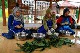 Pertamina Sumbagsel beri pelatihan ke mitra binaan penenun kain