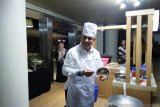 Ketua KPK Firli masak nasi goreng untuk awak media