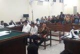 Bupati Lampung Utara nonaktif tidak tahu asal uang Rp200 juta yang diterimanya