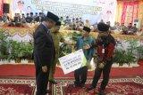 Ahli waris petugas pemilihan Wali Nagari terima santunan jaminan kematian