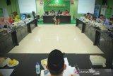 Azyumardi Azra: orang percaya kerajaan baru karena tidak kritis