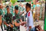 Kasdam Cenderawasih serahkan bantuan bagi korban kebakaran di Bucen IV Jayapura