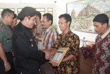 Petani di Magelang dapat bantuan alat pertanian dan klaim asuransi