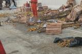 Tumpahan jeruk di jalan tol ruas Terbanggi-Bakauheni