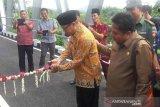 Pasar Papringan kini mudah diakses dengan adanya  Jembatan Karangtejo