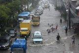 Jakarta kembali banjir, PLN padamkan 15 gardu distribusi