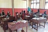 TNWC berikan beasiswa kepada warga sekitar hutan lindung