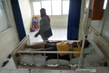 Seorang pasien diduga suspect Mers Cov di rawat di RSUP M Djamil Padang