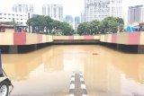 Terowongan Kemayoran masih tertutup genangan air  setinggi lima meter