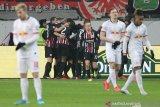 Pemuncak klasemen Liga Jerman Leipzig tergelincir di markas Frankfurt