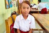 Seorang anak SD juara I Lomba Lari 21 kilometer menangis karena tak dapat hadiah