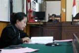 Bupati Lombok Barat mangkir dari persidangan kadispar
