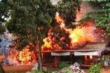 Kebakaran di Parenggean hanguskan barak dan atap rumah