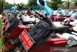 Kades dan lurah se-Kabupaten Boyolali terima hibah kendaraan dinas baru