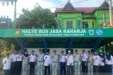 PT. Jasa Raharja (Persero) Cabang Riau gunting Pita Halte di Kampar