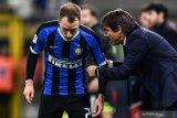 Absennya sejumlah pemain paksa Conte mainkan 3 striker