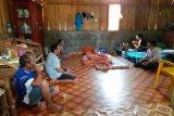 LRSLU Minaula beri dukungan psikososial lansia korban banjir di Kolaka Utara
