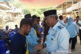 Bupati Lutim minta warga Mambotu jaga kerukunan jelang Pilkada 2020