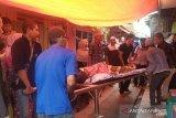 Seorang pria tewas bersimbah darah dikeroyok ayah dan anak