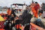 Basarnas Maumere berhasil evakuasi puluhan penumpang KM Citrawati