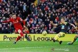 Gelar juara di depan mata, Liverpool bantai Southampton 4-0