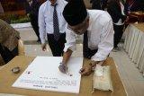 Kaper BKKBN Sulut mantapkan sumpah dengan cap jempol darah