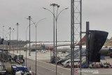 WNI dari Wuhan memasuki Pesawat TNI