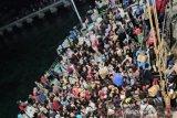 Khawatir virus corona WNI dari Wuhan, Ratusan warga tinggalkan Natuna