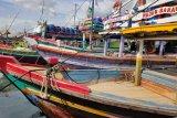 Nelayan Gudang Lelang tidak melaut akibat cuaca buruk