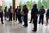 Polisi hukum tujuh pelaku pengirim minuman beralkohol Bandara Sentani