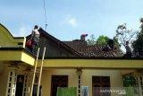 38 rumah di Andong Boyolali rusak diterjang angin kencang